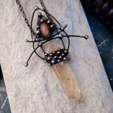 Кулон из кристалла цитрина и солнечного лабрадора