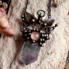 Кулон Флюорит с листиками и розовым кварцем