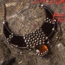 Лунница Черный полумесяц с оранжевым камнем